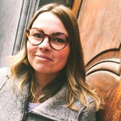 Julie Namur lunettes Dieu Opticien