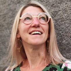 Fabienne Namur lunettes by Benoit l'opticien